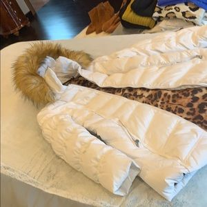 White jacket with removable faux fur hood